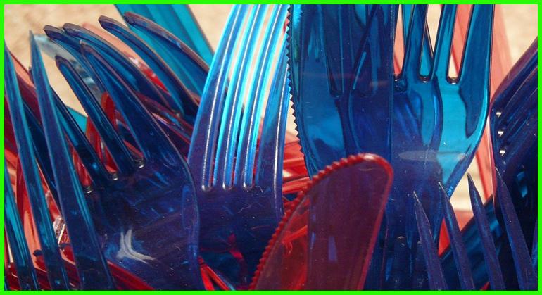 Cubiertos de plástico